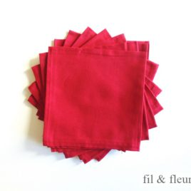 Serviettes de table rouges