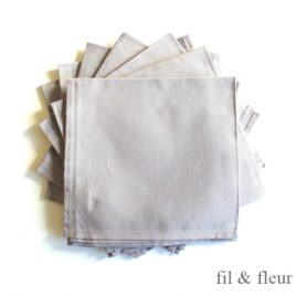 serviettes table gris clair