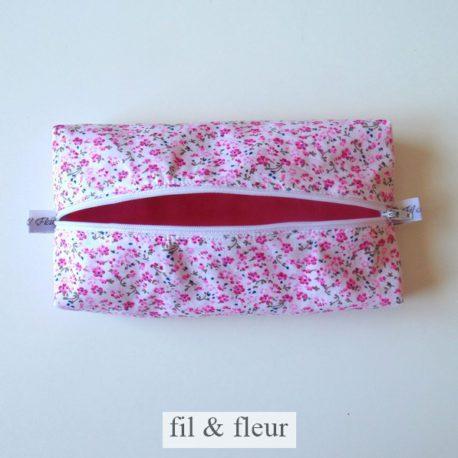 trousse plate rose fleurs